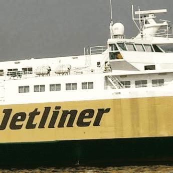 Kapal Jetliner